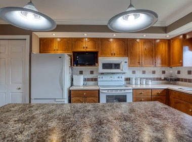Tammy Todd _249 Whiting st ingersoll MLS-19
