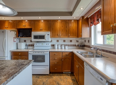 Tammy Todd _249 Whiting st ingersoll MLS-22