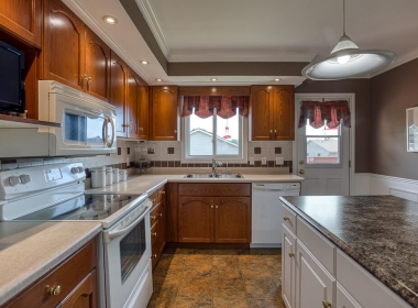 Tammy Todd _249 Whiting st ingersoll MLS-23